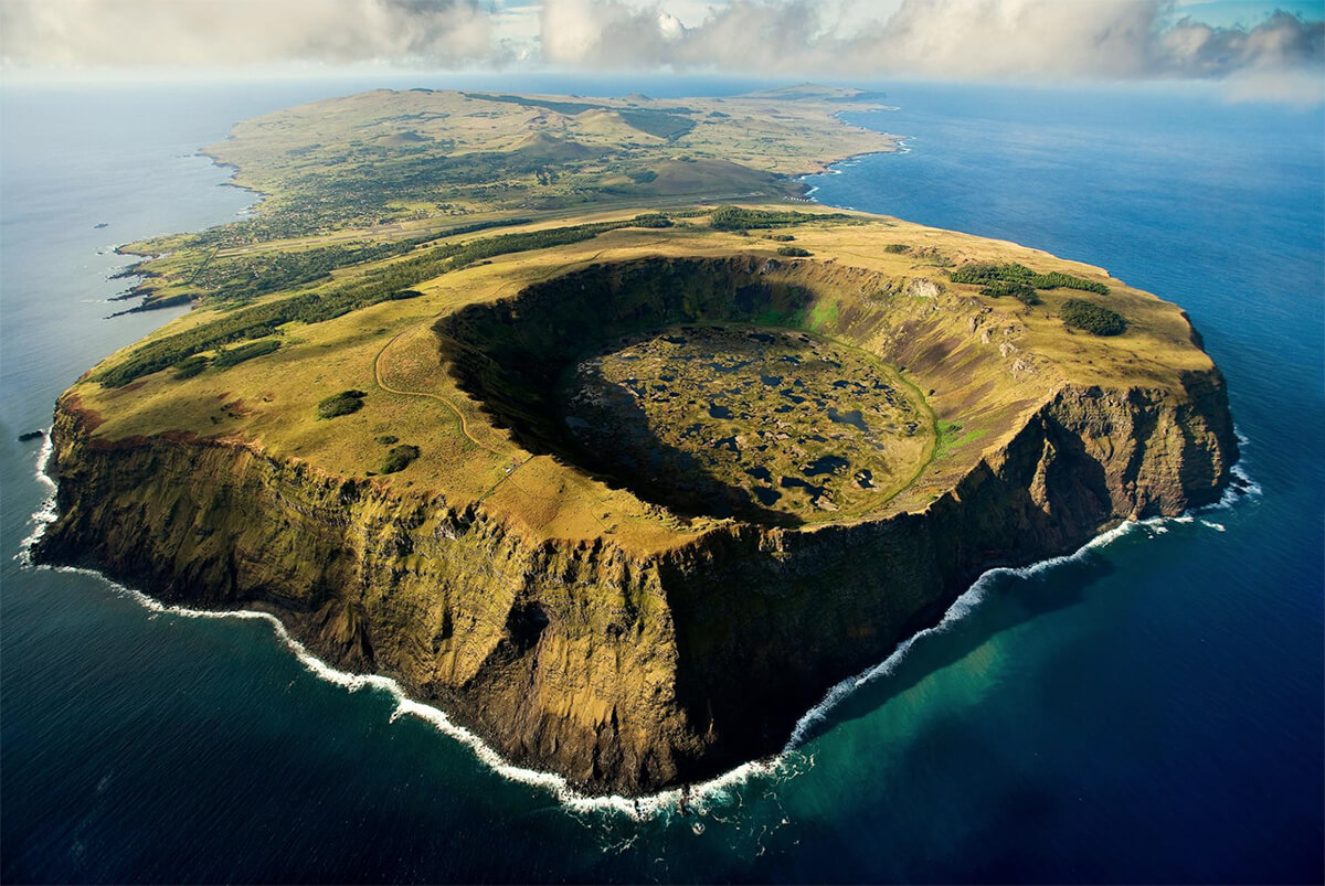 VISIT EASTER ISLAND DURING THE TAPATI FESTIVAL AND EXPERIENCE SOMETHING TRULY SPECIAL